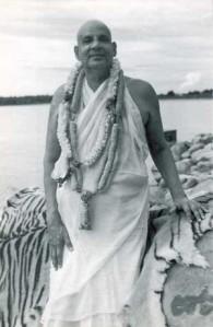 swami-sivananda-and-ganga1