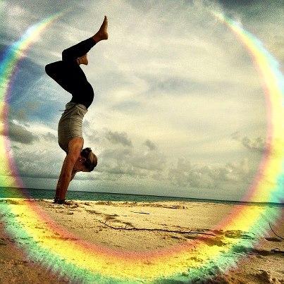 yoga-handstand-rachel-brathen-beach-rainbow